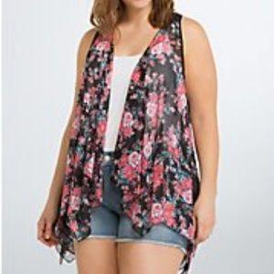 Torrid size 4/5 Floral Chiffon Lace Back Vest